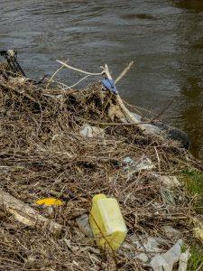 Plast förorening